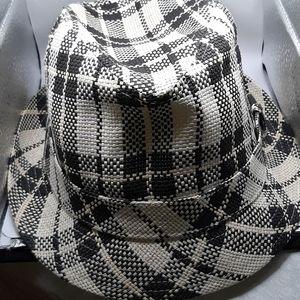 Penguin by Munsingwear Summer Hat